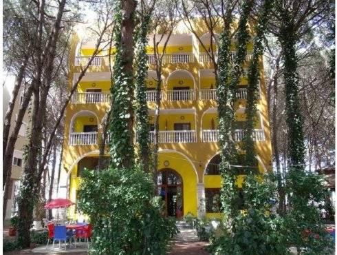 Hotel Camping Mali i Robit